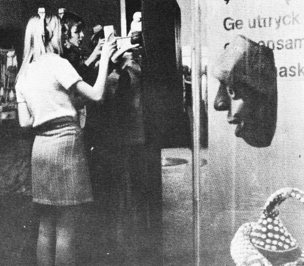 Ungdomar i utställning